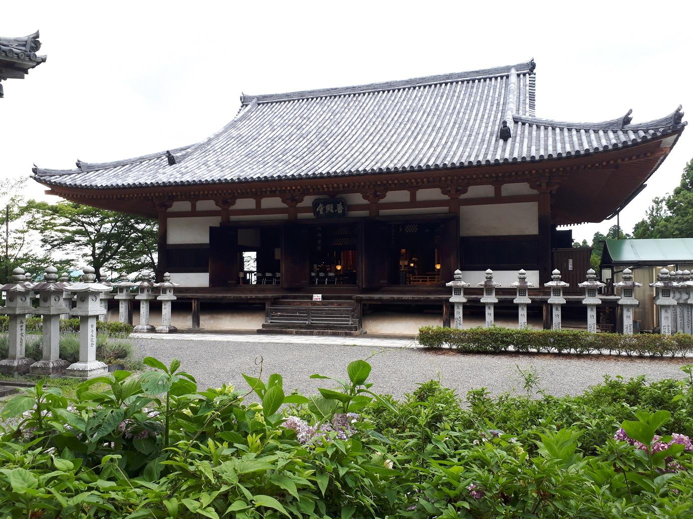 本堂(壺阪寺)