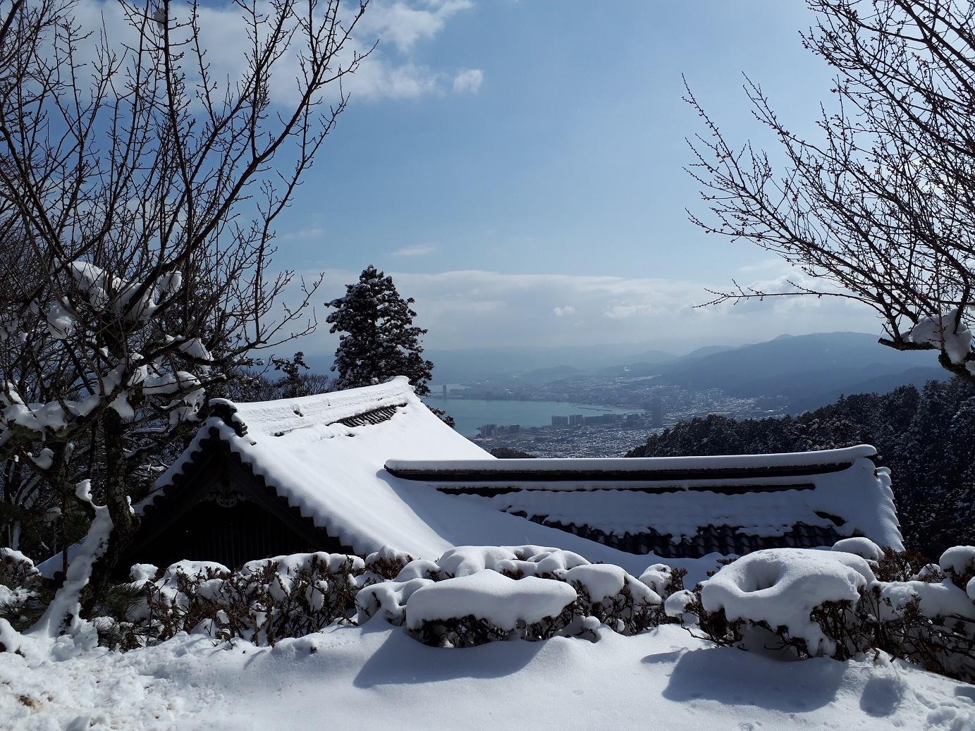 明王堂から琵琶湖
